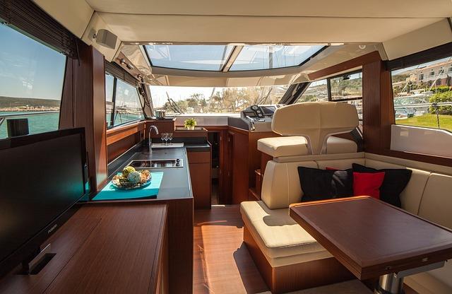 motor-yacht-638392_640
