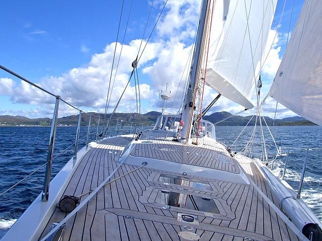 yacht-802319_640